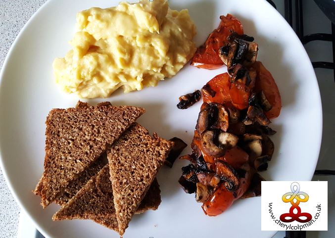 scramble tomato and mushroom rye toast vegan vegetarian cooked breakfast healthy and delicious Cheryl Colpman